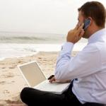 Большинство топ-менеджеров будут отдыхать в августе, но работу прекращать не планируют