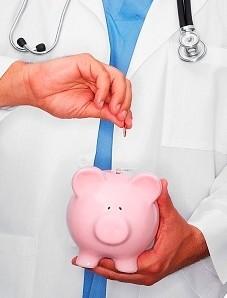 Зарплаты врачей в коммерческих клиниках Москвы выросли за год на 15%