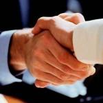 Более 90% работодателей хотя бы раз нанимали сотрудников по знакомству