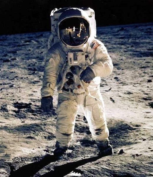 NASA ищет астронавтов через Интернет