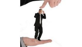 Исследование HeadHunter: Каждый пятый испытывает психологическое давление на работе ежедневно