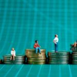 Средняя зарплата в крупнейших городах России во II квартале достигла 37 000 рублей в месяц